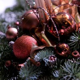 Karácsonyi asztaldísz kaspóban