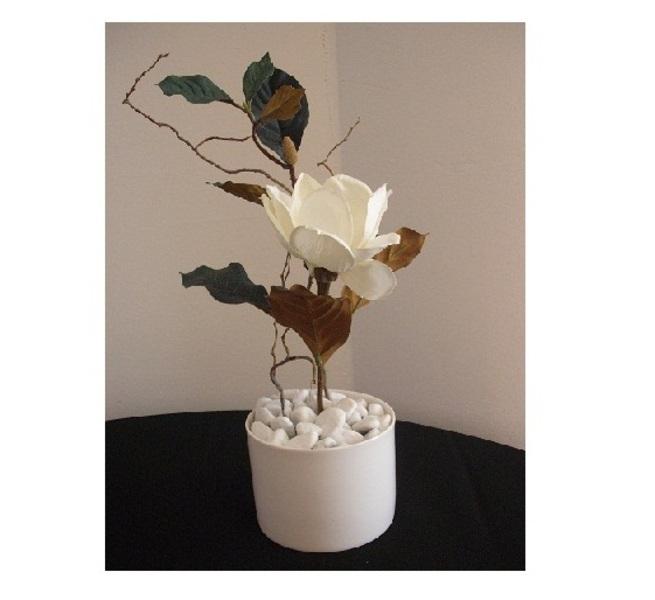 Virágdekoráció kerek kaspó